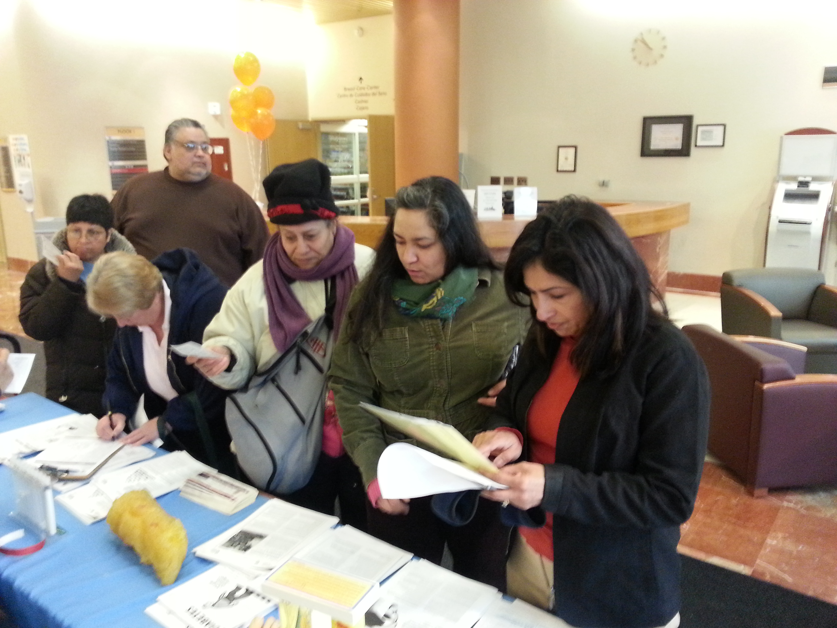 Representative Hernandez hosts free legal clinic on immigration and other legal issues