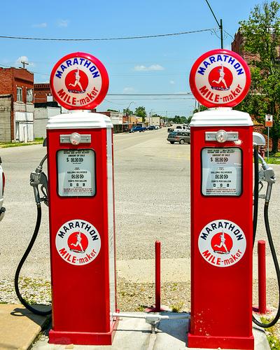 Gasoline price scams hit consumers